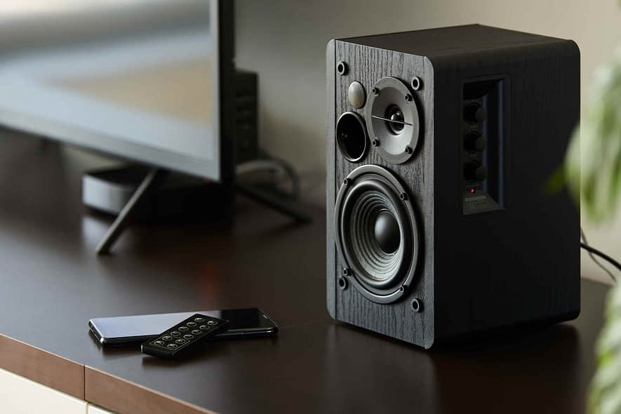 How to fix high pitch from speakers on windows 10